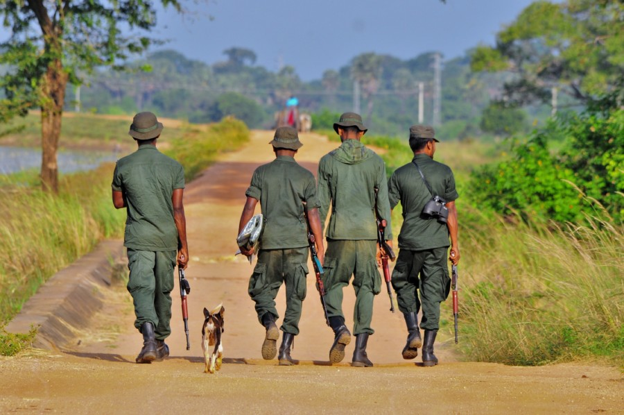 Bewaffnete Soldaten in Sri Lanka.
