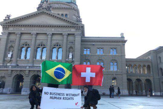 La Suisse doit défendre les droits des peuples indigènes : c'est ce que demande la SPM à l'occasion de la visite du président brésilien Bolsonaro. Photo : SPM