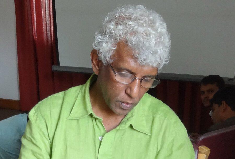Sunanda Deshapriya, Journaliste et militant pour les droits humains