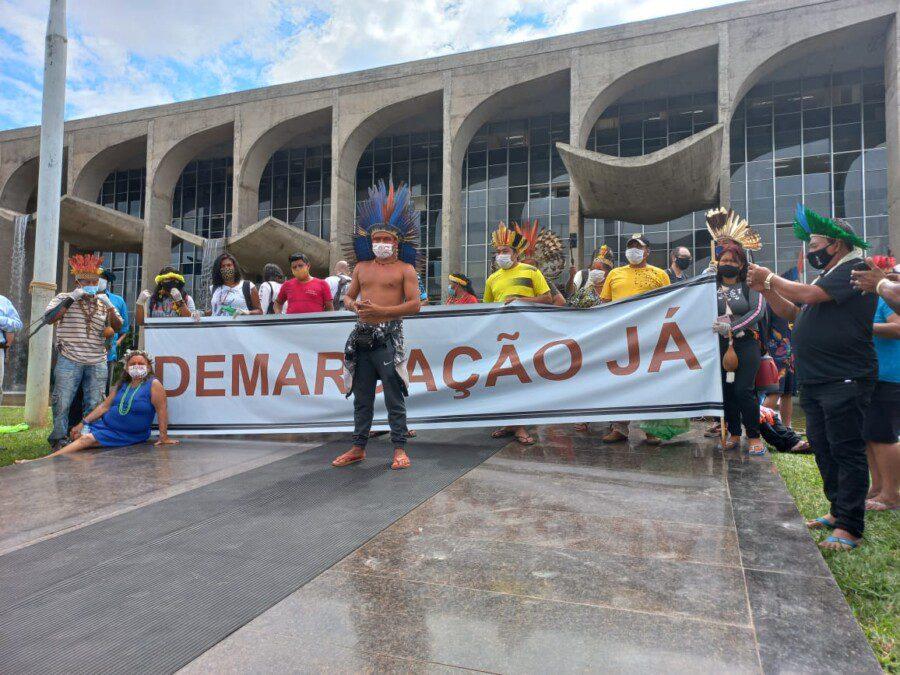 Indigene protestieren in Brasilia.